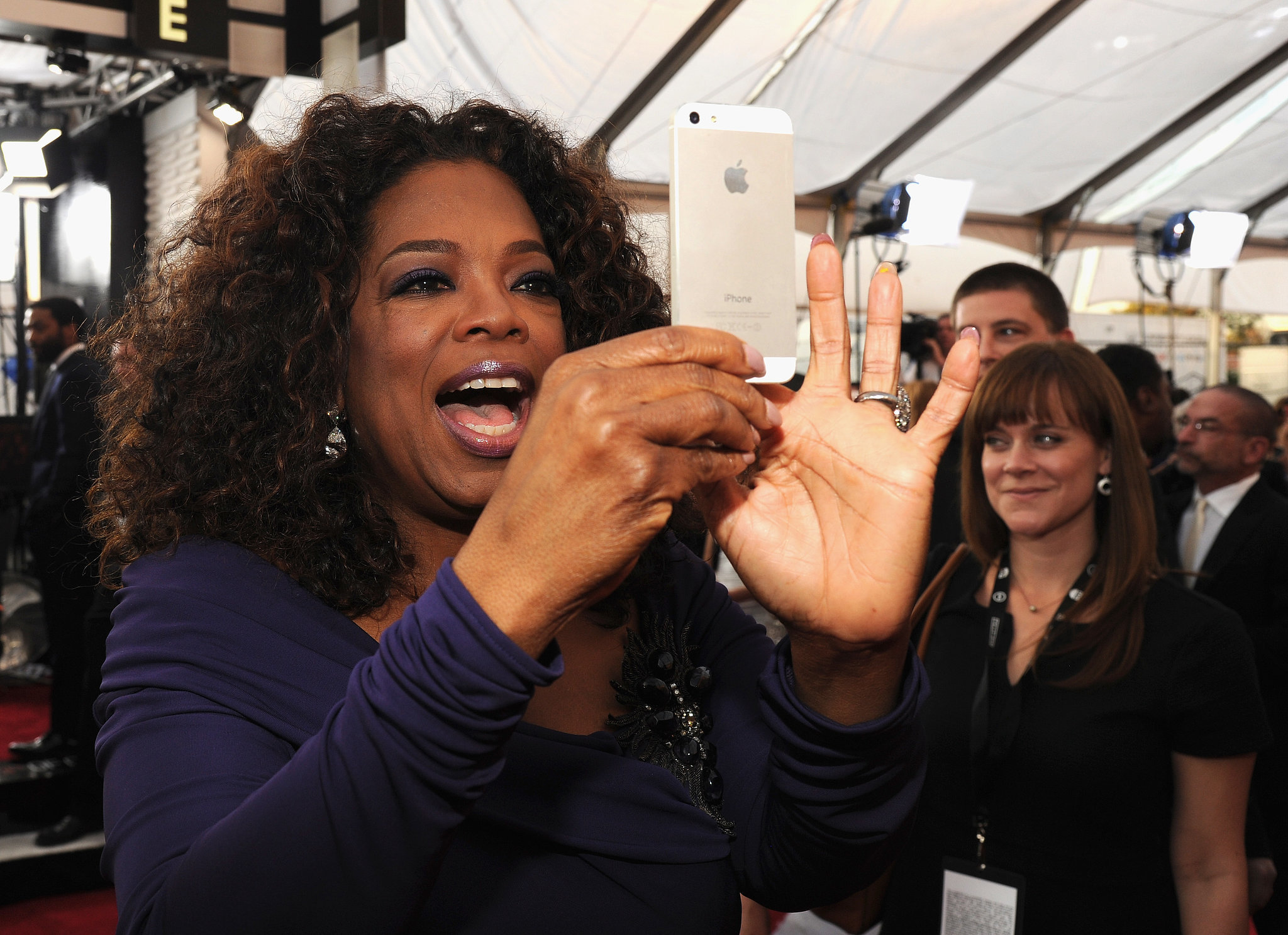 Oprah Winfrey captured a crowd moment before the SAGs.