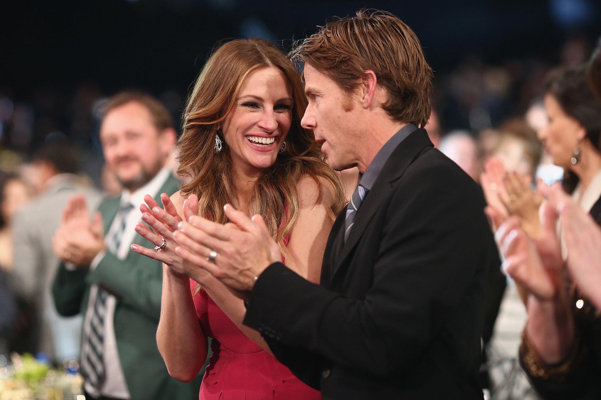 At the SAG Awards, Julia Roberts flashed a big grin alongside Daniel Moder.