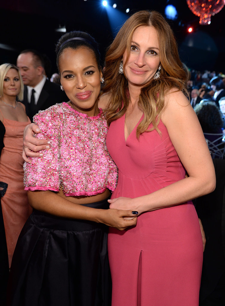 Kerry Washington and Julia Roberts were pretty in pink at the SAG Awards.