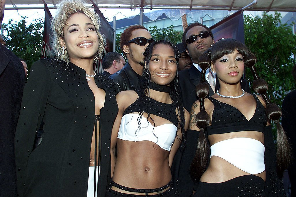 The ladies of TLC arrived together for the show in 2000.