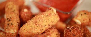 Get the Dish: Homemade Mozzarella Sticks Inspired by T.G.I. Fridays