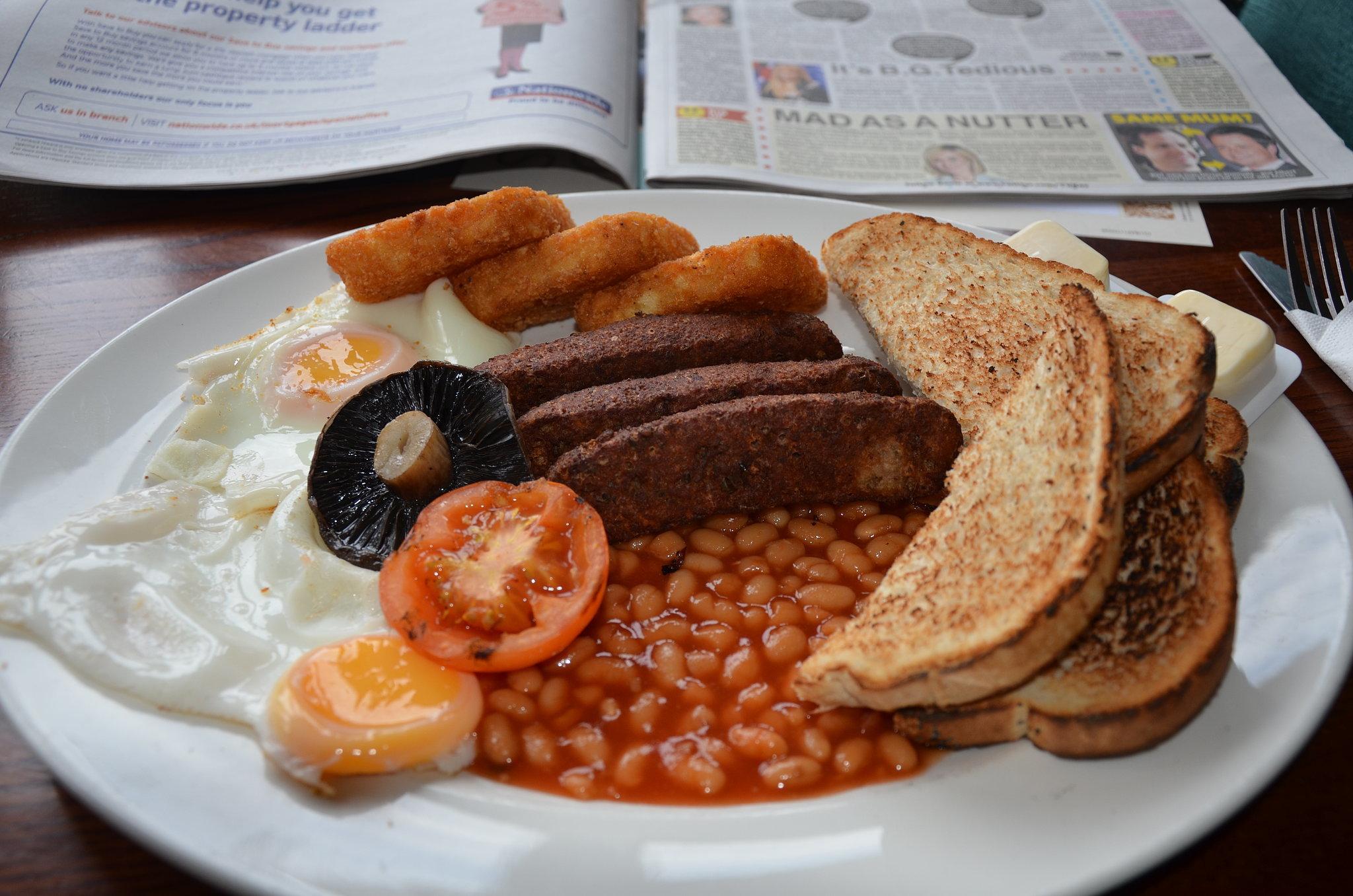 England full english breakfast eat your way through europe popsugar food - Petit dejeuner pauvre en glucides ...