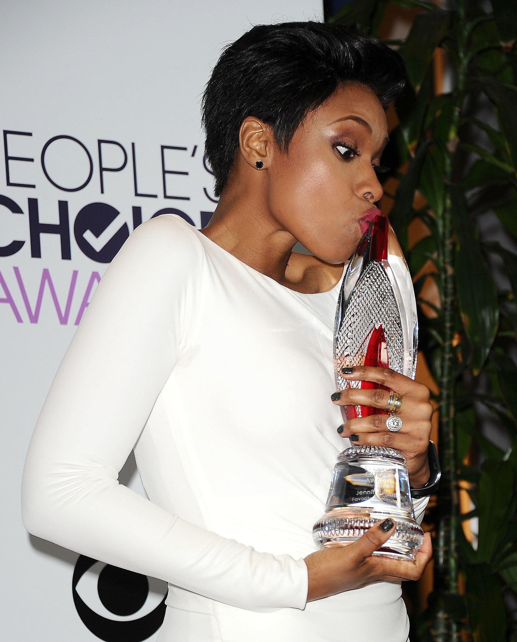 Jennifer Hudson Smooched Her People's Choice Award