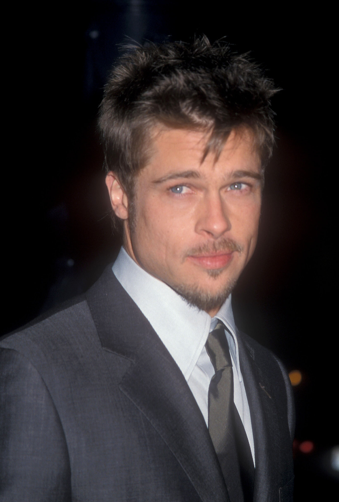 who was brad pitt dating in 1998