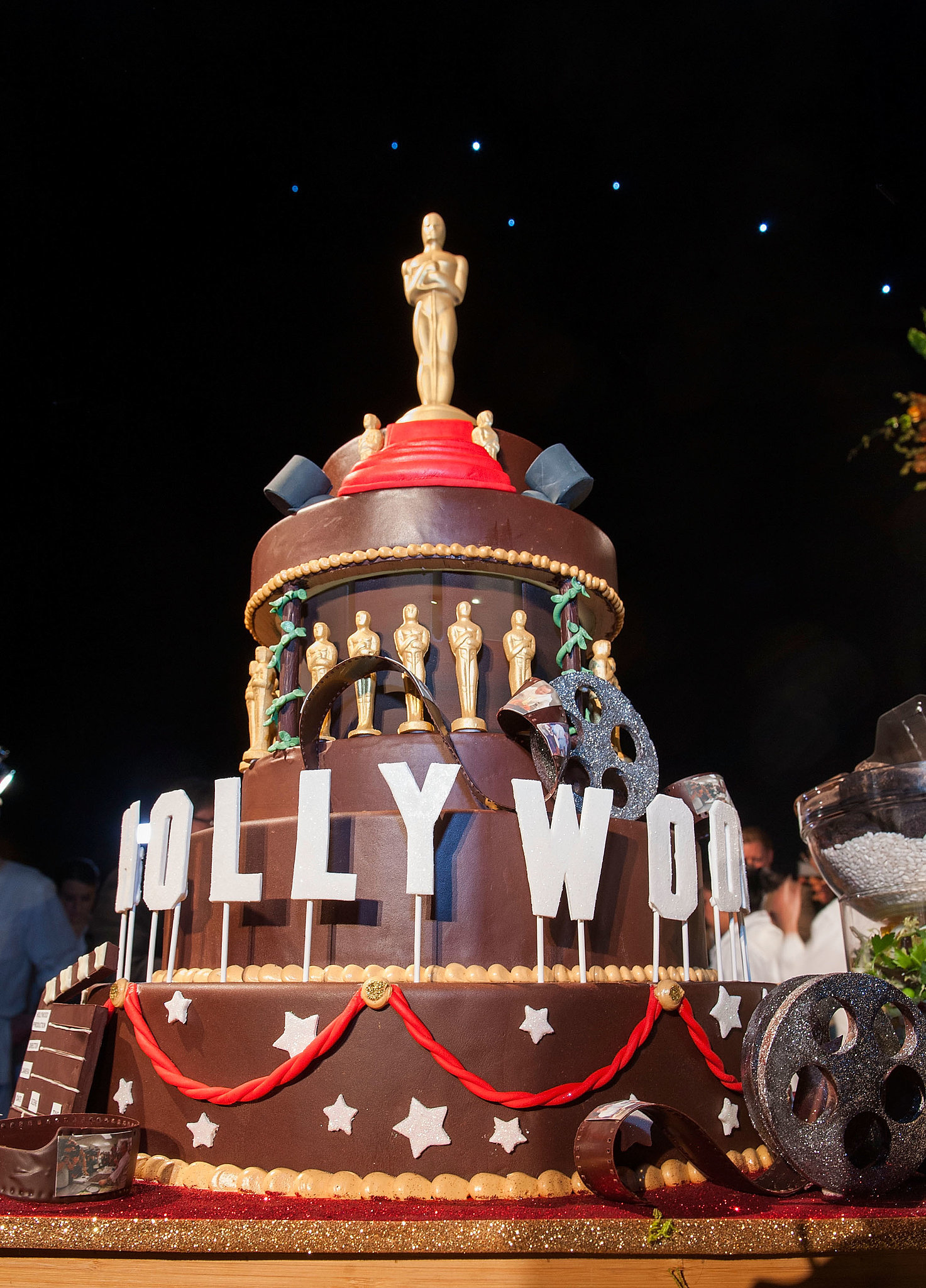 Hollywood Cake Inside Wolfgang Puck S 20th Governors