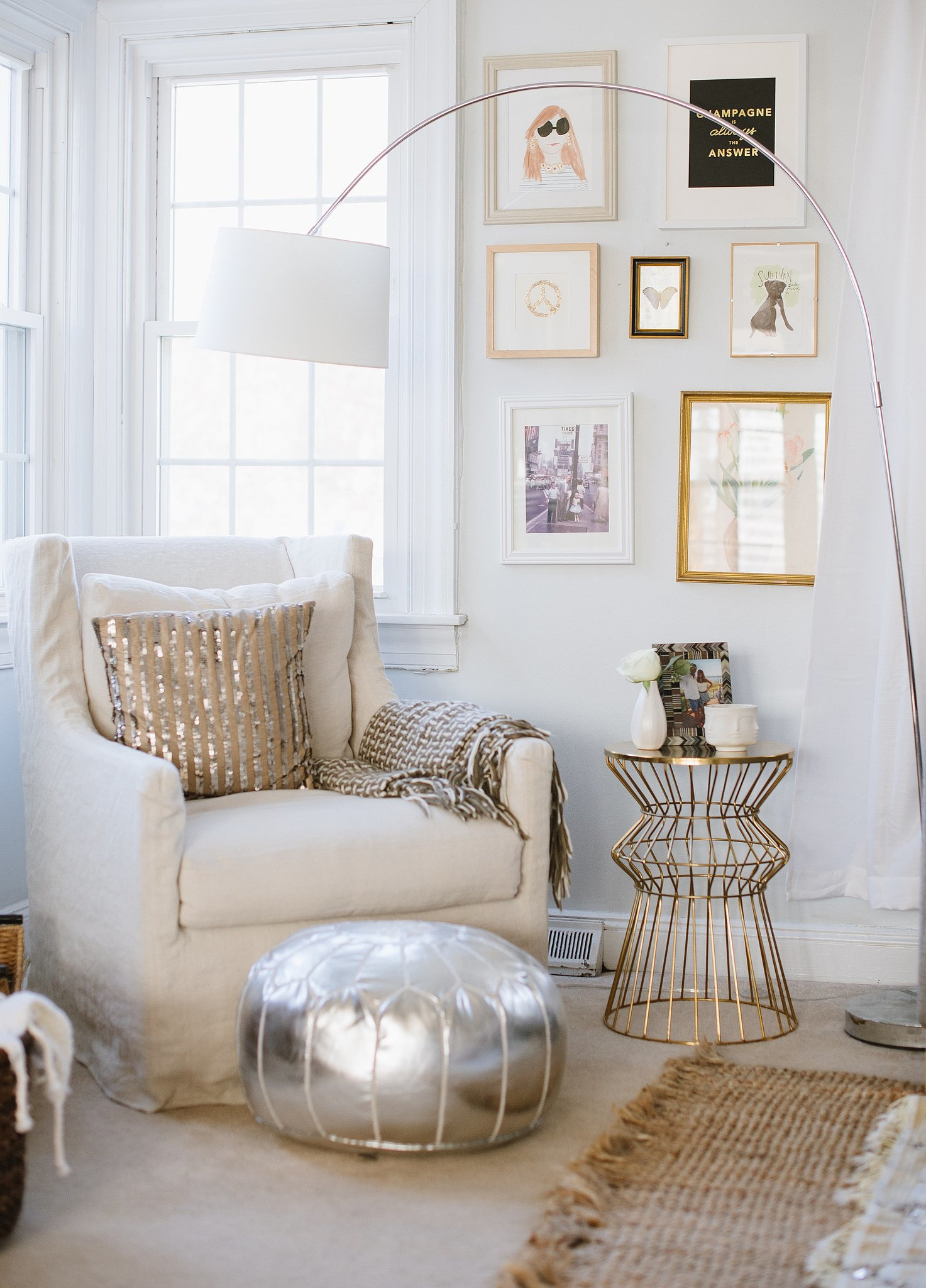 Reading nook 10 home decor ideas that are blowing up on for Nook home
