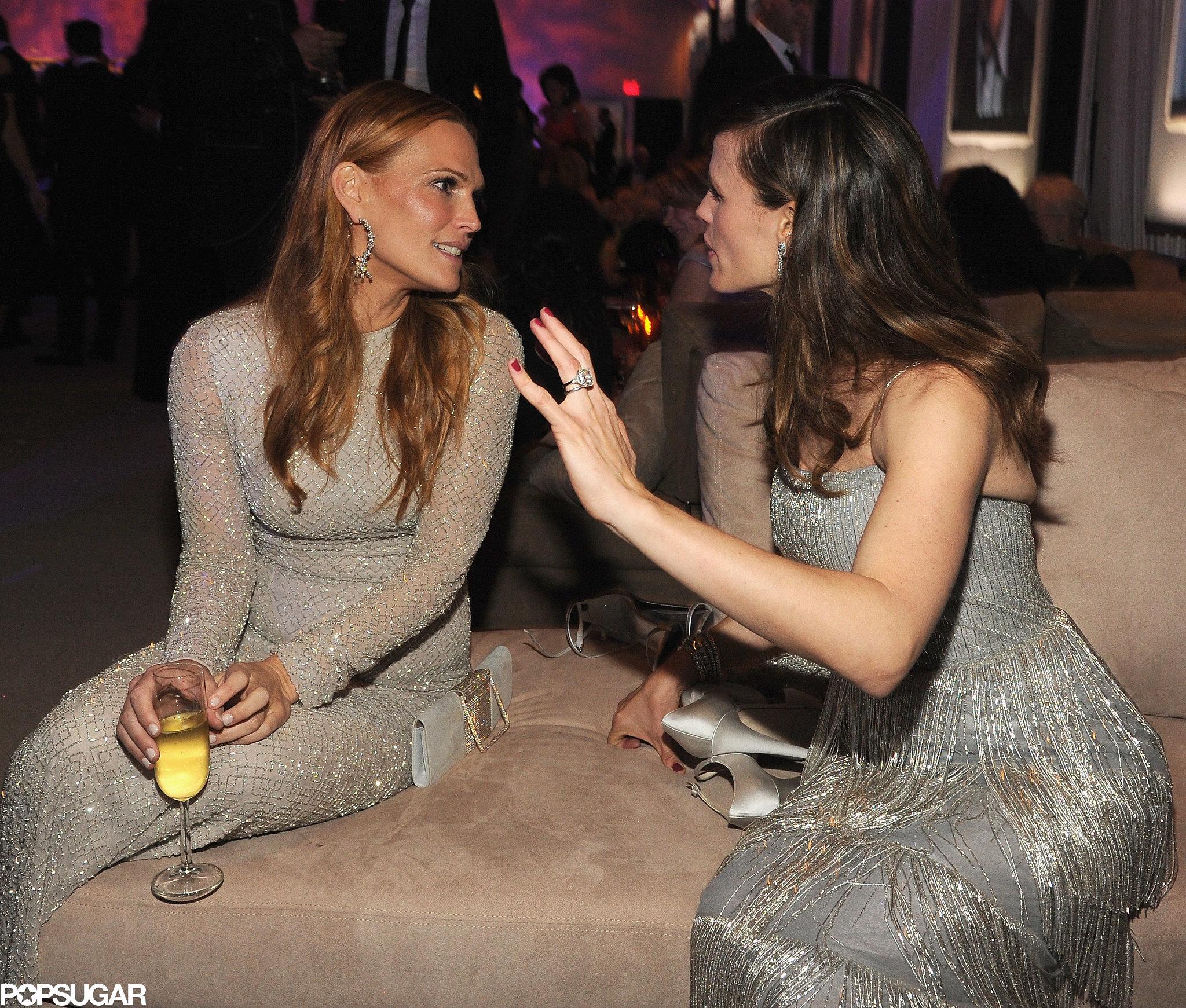Molly Sims and Jennifer Garner had a serious sit-down.