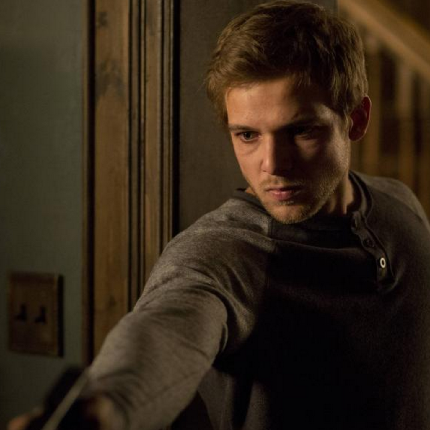 max thieriot gif hunt tumblr