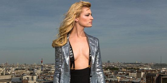 '2 Broke Girls' Star Beth Behrs Poses Shirtless In Paris
