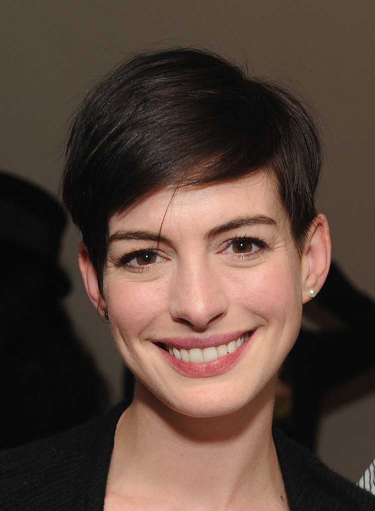 Anne Hathaway's Sideswept Pixie