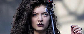Lorde Slams Photoshopping and Shares Image of Her Acne