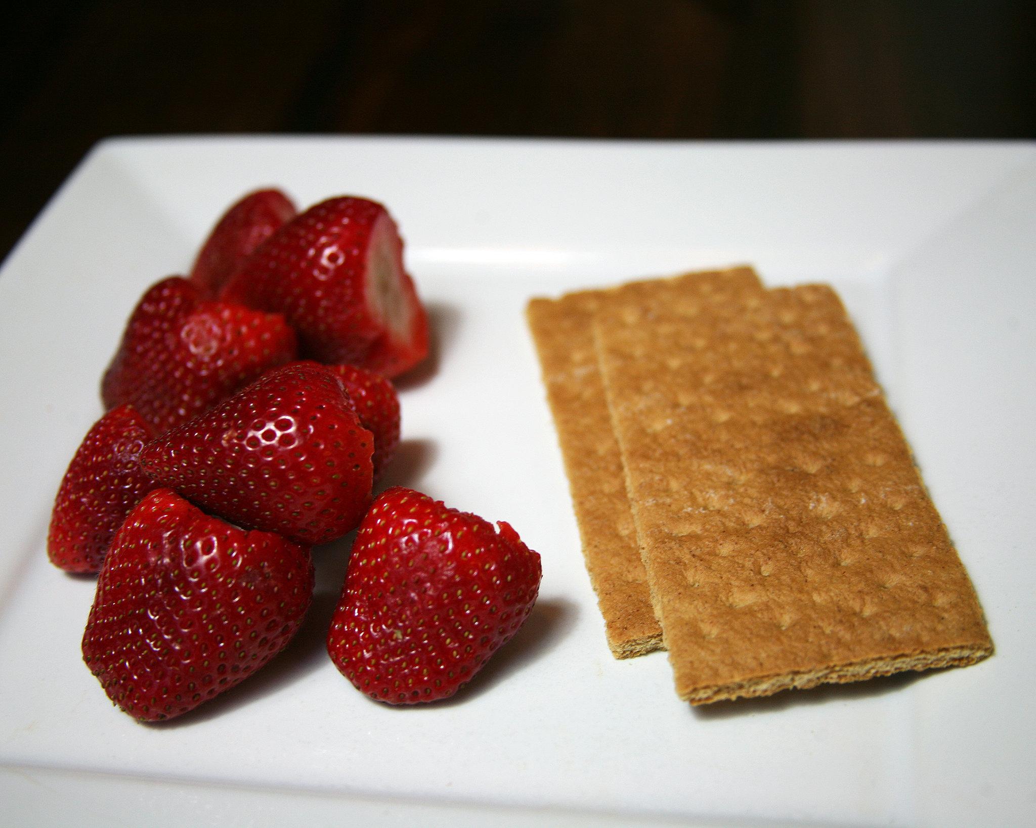 Strawberries and Graham Crackers