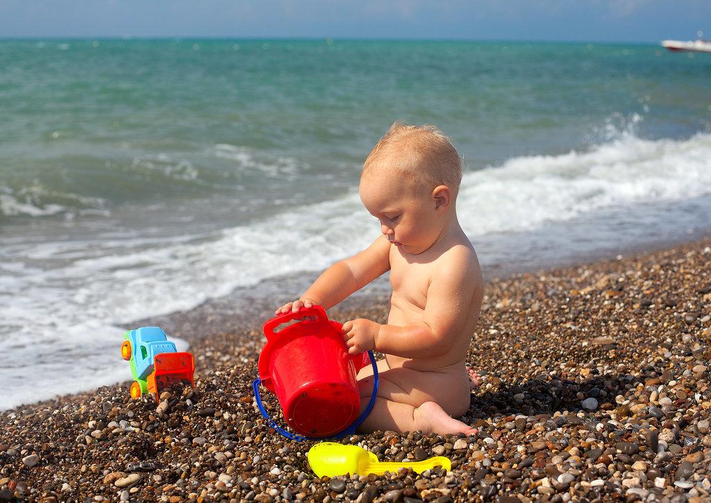 Flaunt Their Beach Bums