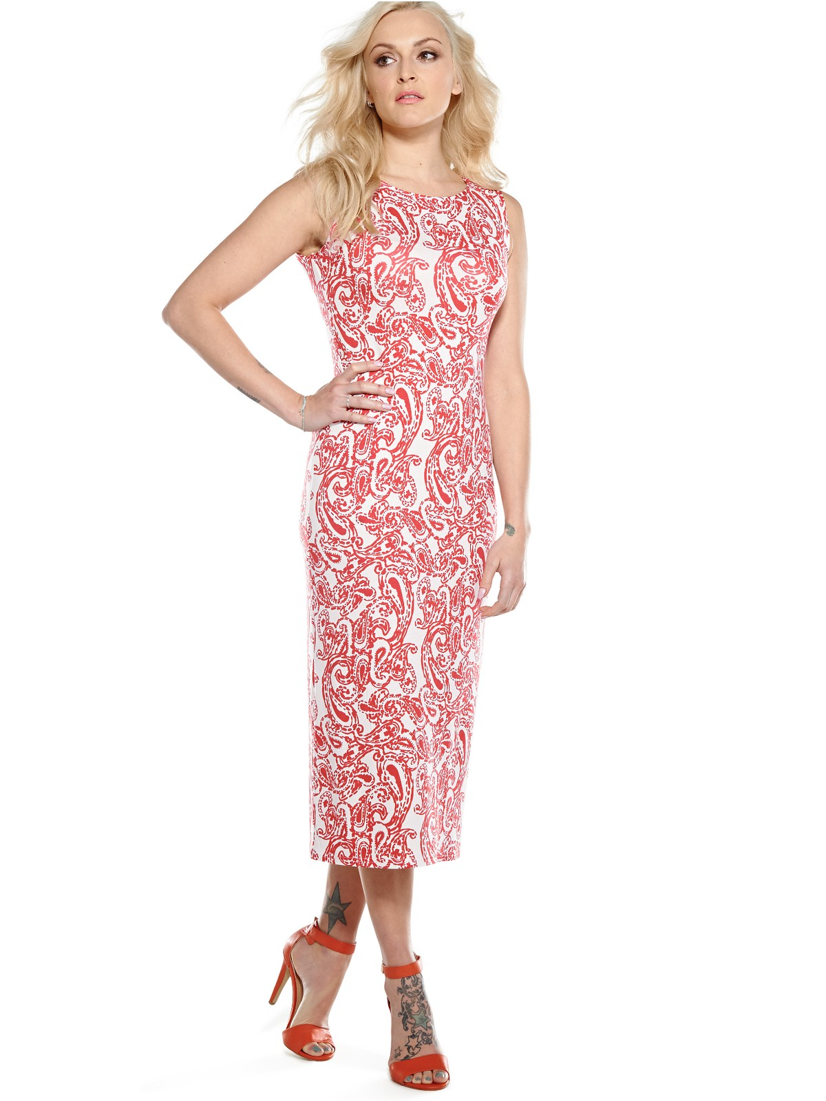 Buy elegant white floral long sleeved midi dresses online. StyleWe also provides loose and plus size dresses for casual occasion.