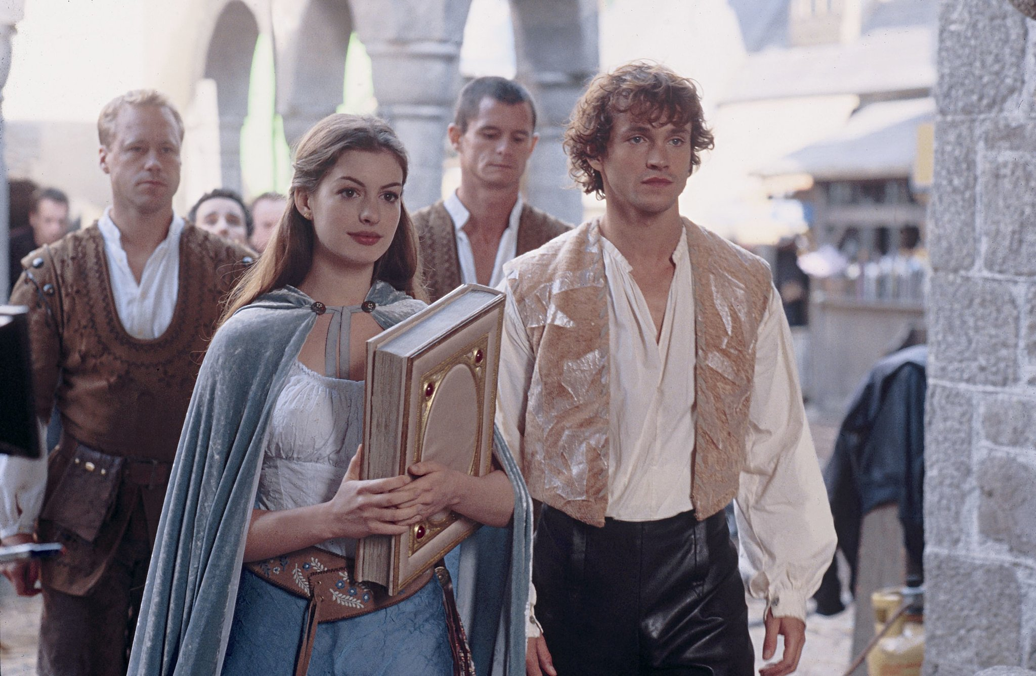 Ella Enchanted, 2004