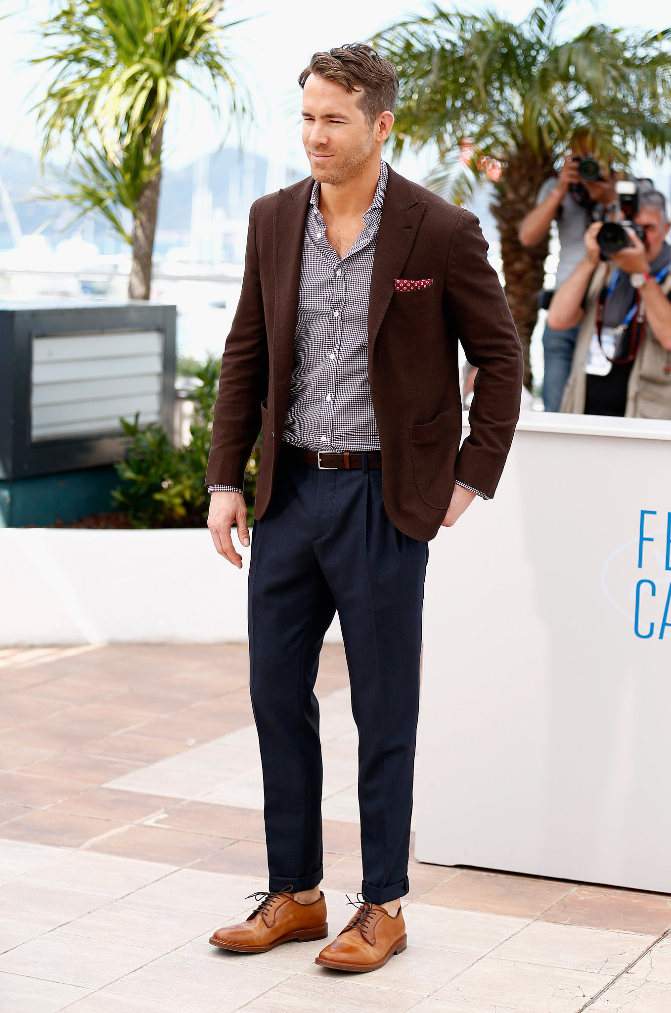 """Ryan Reynolds Talks Holding Blake Lively Captive and """"Grade-A Sh*t"""" Advice in Cannes"""