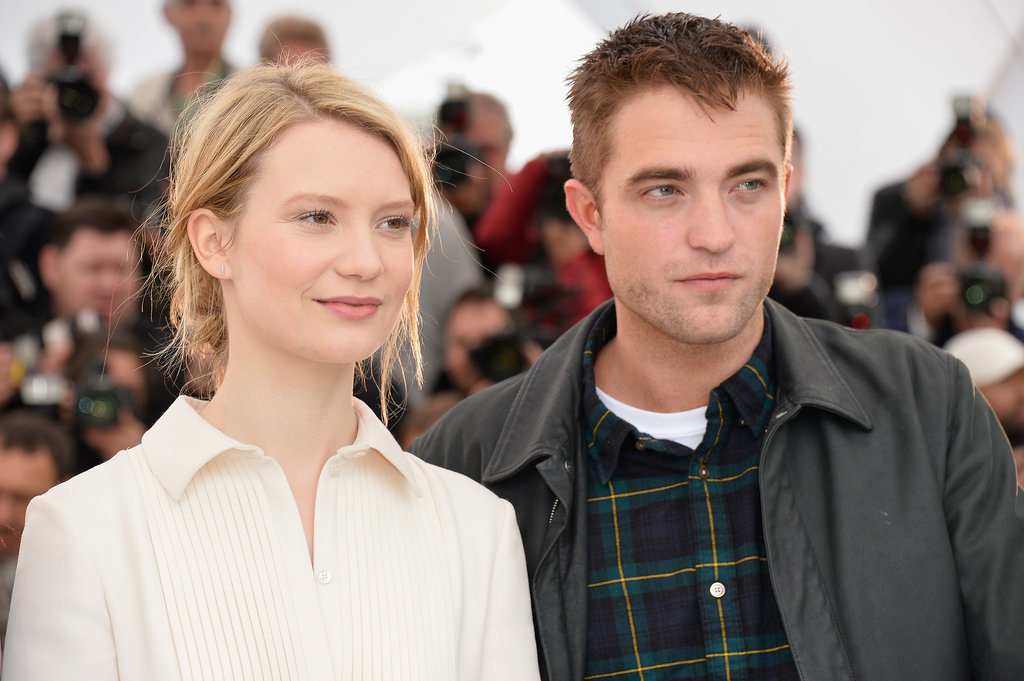 """Robert Pattinson Discusses His """"Extremely Sweaty"""" Limo Sex Scene in Maps to the Stars"""