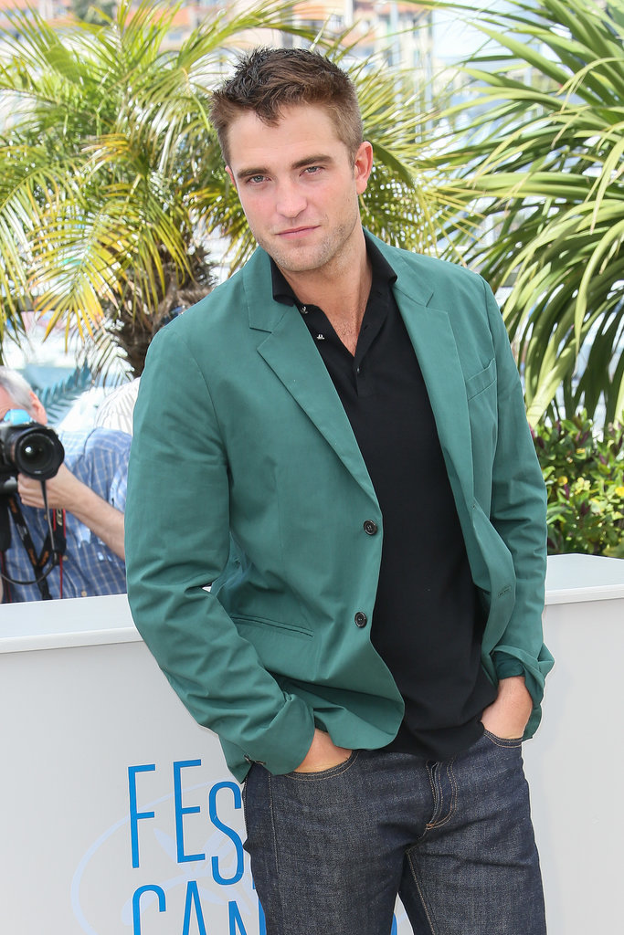 Robert Pattinson's sexy look popped among the palm trees.