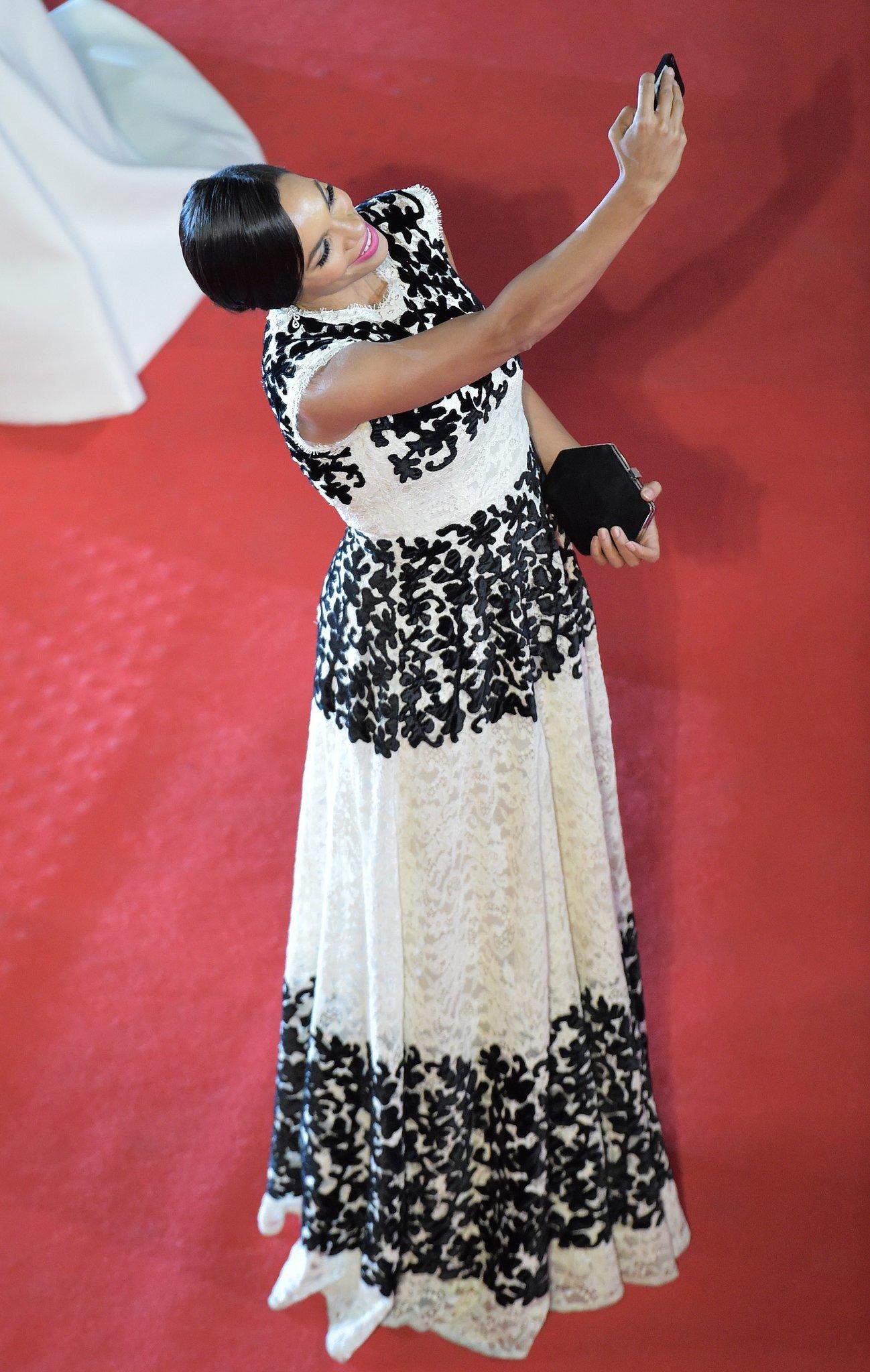 Rosario Dawson at the Captives Premiere