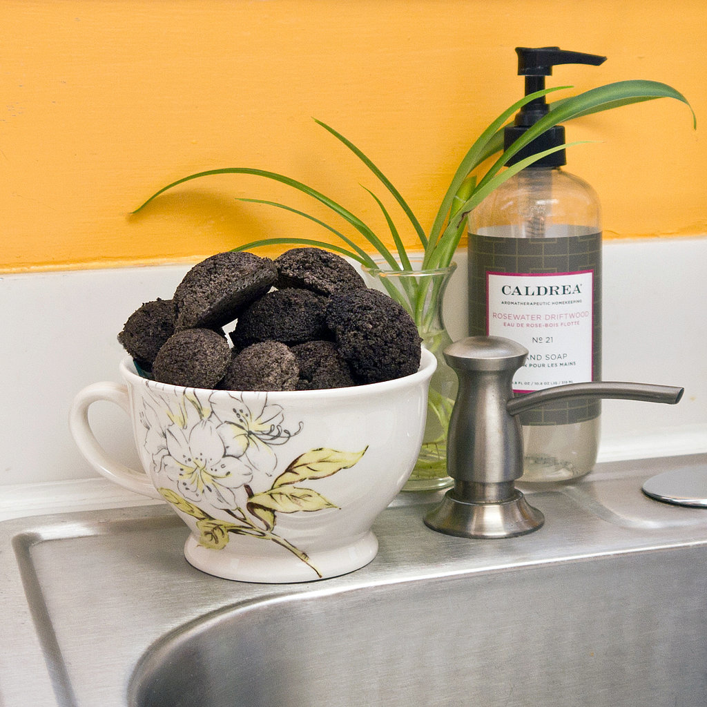 Popsugar Smart Living: Coffee Grounds Garbage Disposal Cleaners
