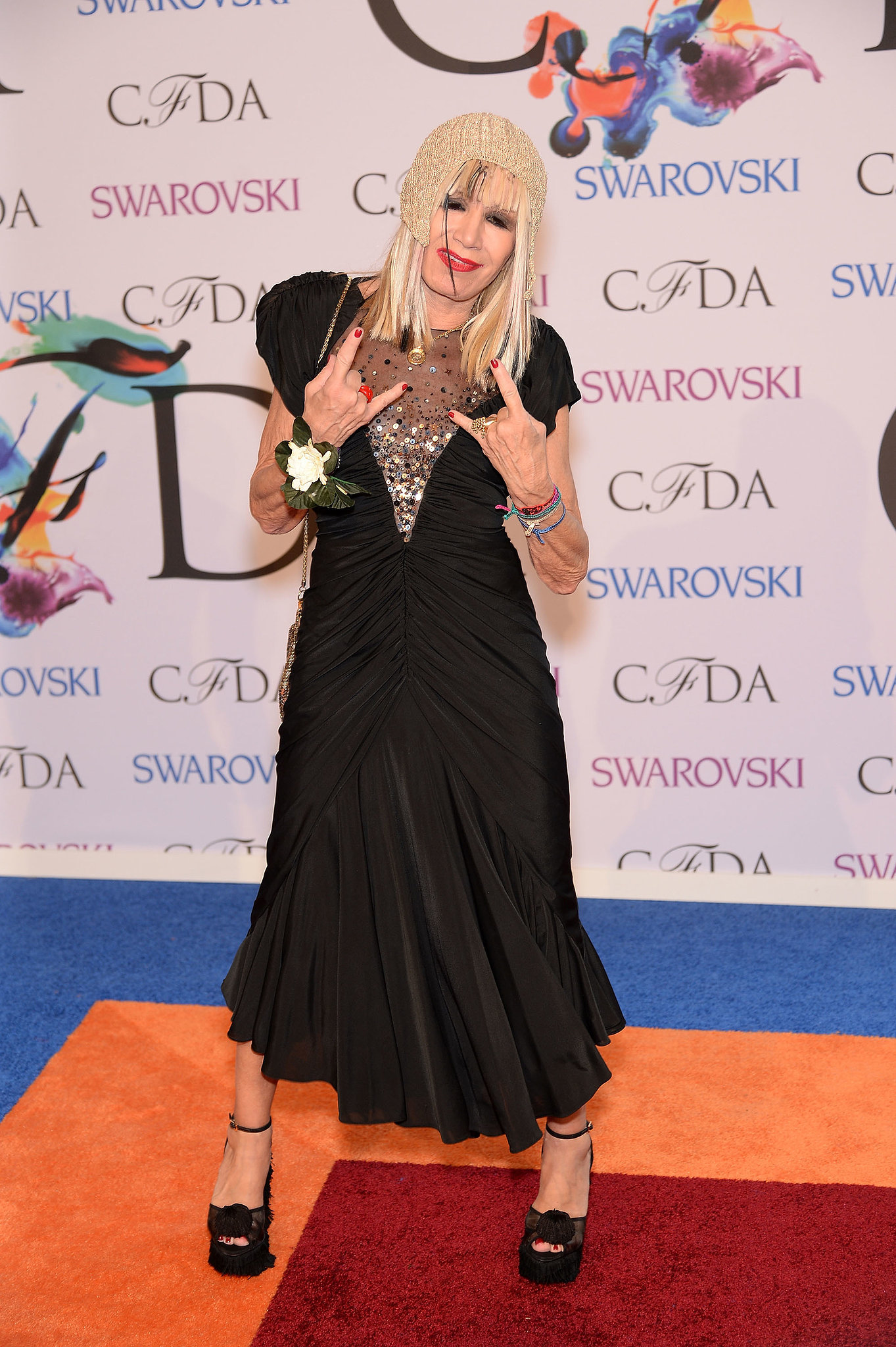 Betsey Johnson got goofy on the red carpet.