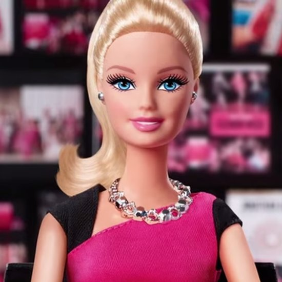 Entrepreneur Barbie With Smartphone Toy