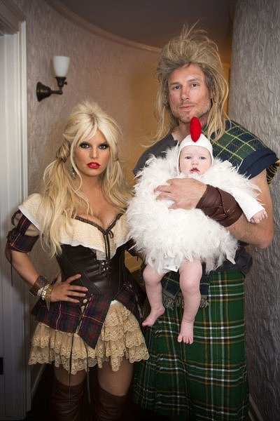 For Halloween in 2012, Jessica was decked out in a milkmaid-esque costume. Eric had a Braveheart look going on, while little Maxwell was a chicken. Source: Twitter user JessicaSimpson
