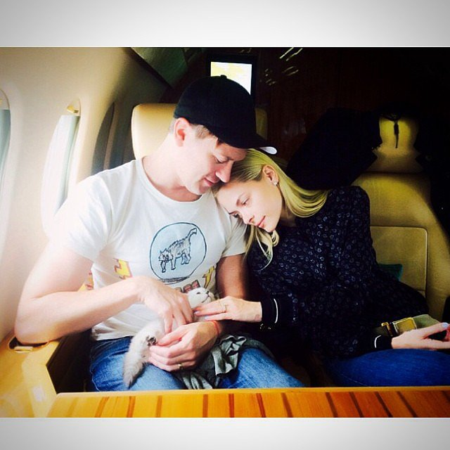 Jaime joined husband Kyle Newman and a cat for their flight into town.  Source: Instagram user jaime_king