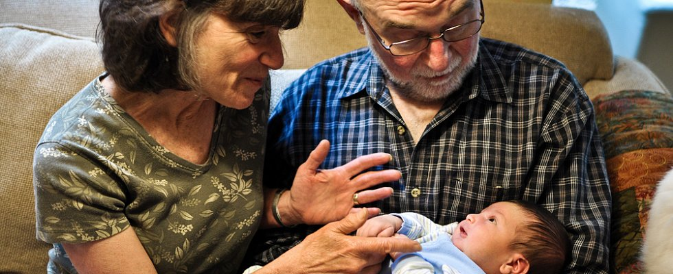 10 Reasons to Be Grateful For Grandparents