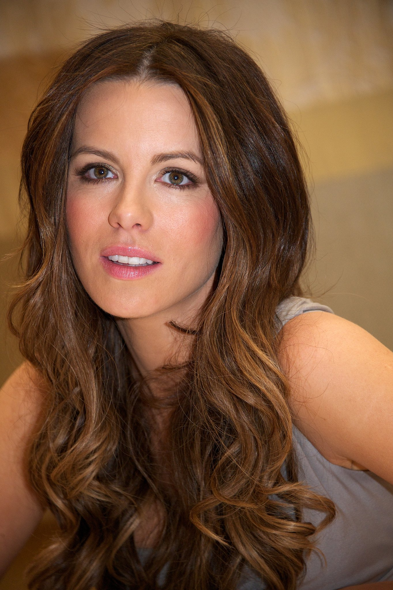 Kate Beckinsale posed in January 2012 for the Underworld: Awakening press conference.