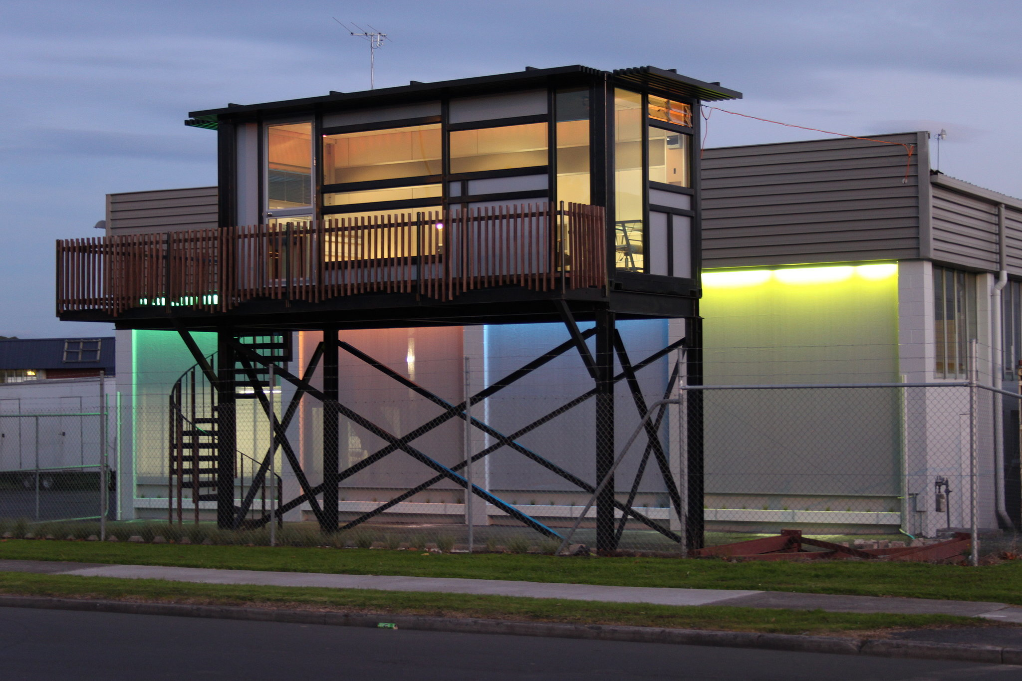 "One Cool Habitat's designs are just that: cool. Practicing what it preaches by using one of its tiny homes as the company office space, OCH takes pride in helping customers live ""their own way."" In fact, the homes are even designed to be shipped internationally in case homeowners catch the travel bug! Source: Flickr user onecoolhabitatcom"