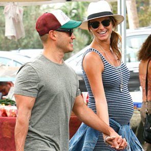 Pregnant Stacy Keibler at Farmers Market 2014 | Pictures