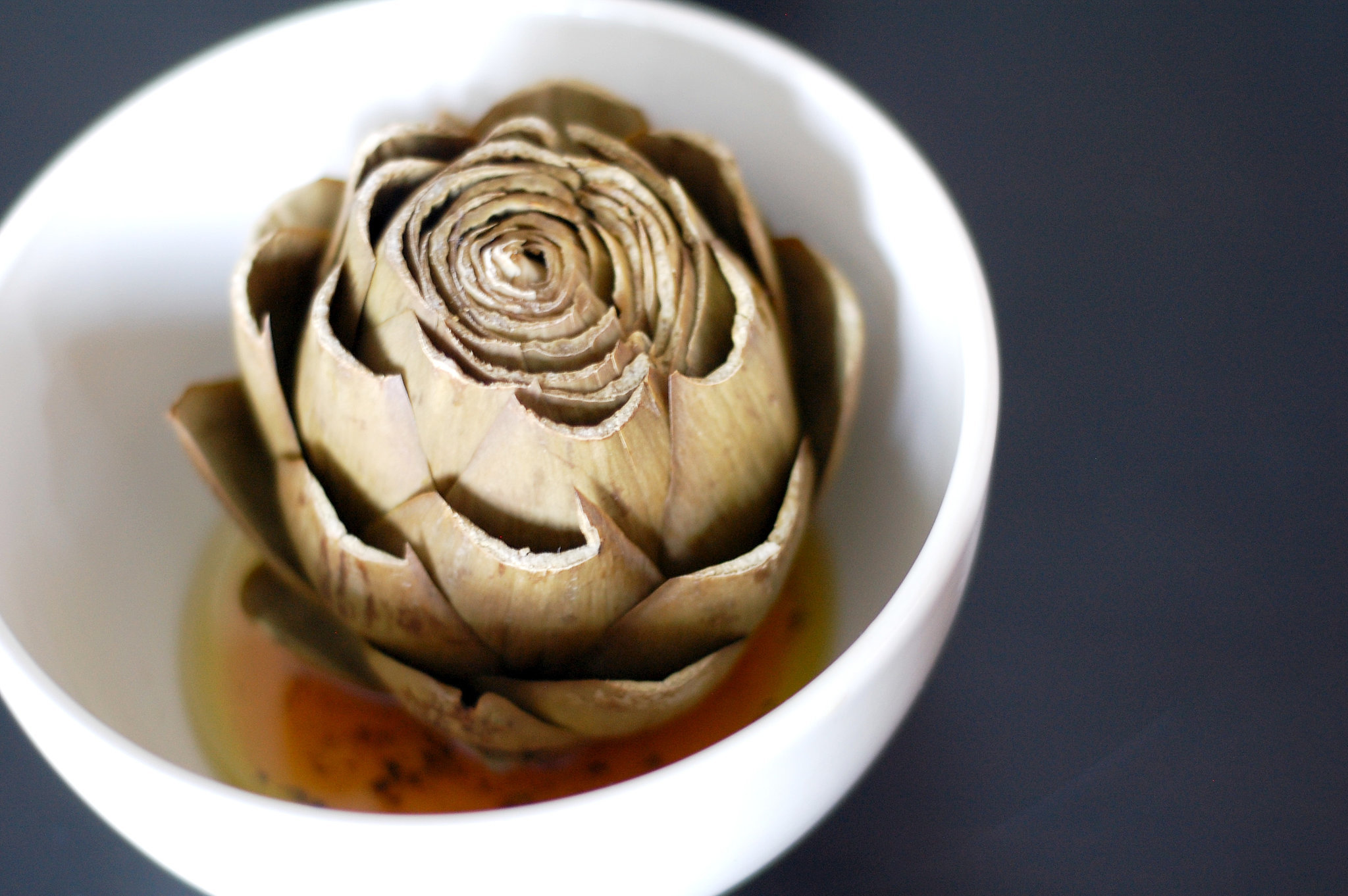 Steamed Artichokes With Oil and Vinegar