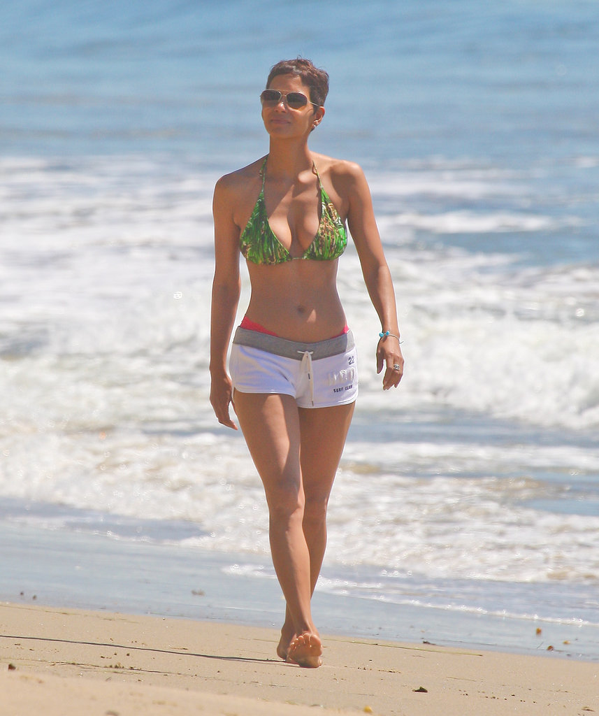Her toned abs were on full display during a walk along the Malibu coast in March 2011.
