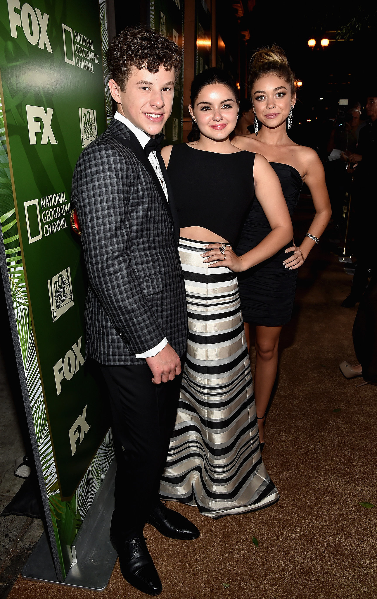 Modern Family's Nolan Gould, Ariel Winter, and Sarah Hyland took pictures together.