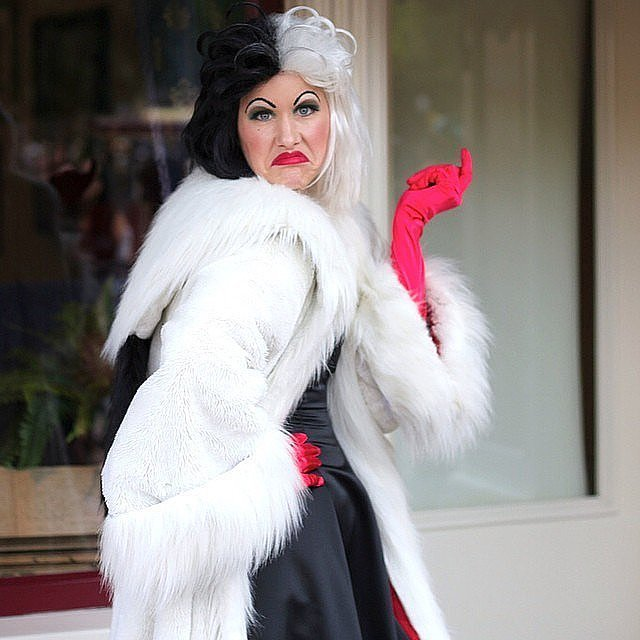 cruella de vil 70 mind blowing diy halloween costumes for women popsugar australia smart living. Black Bedroom Furniture Sets. Home Design Ideas