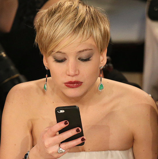 13 Celebs Who Hate Technology