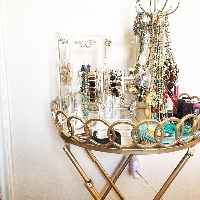 Find round bar cart gold finishes