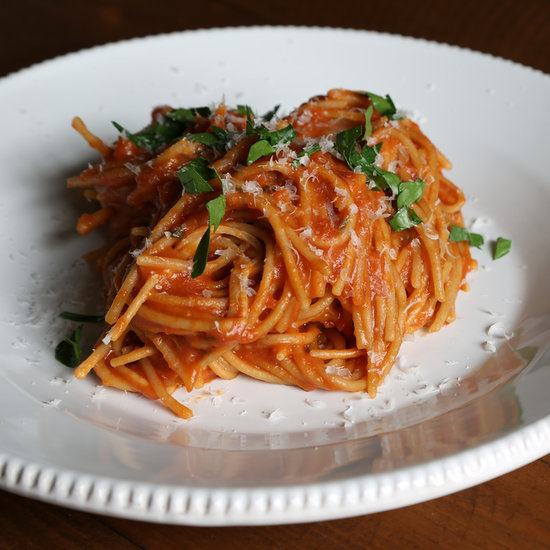 How to Cook Pasta in Tomato Sauce