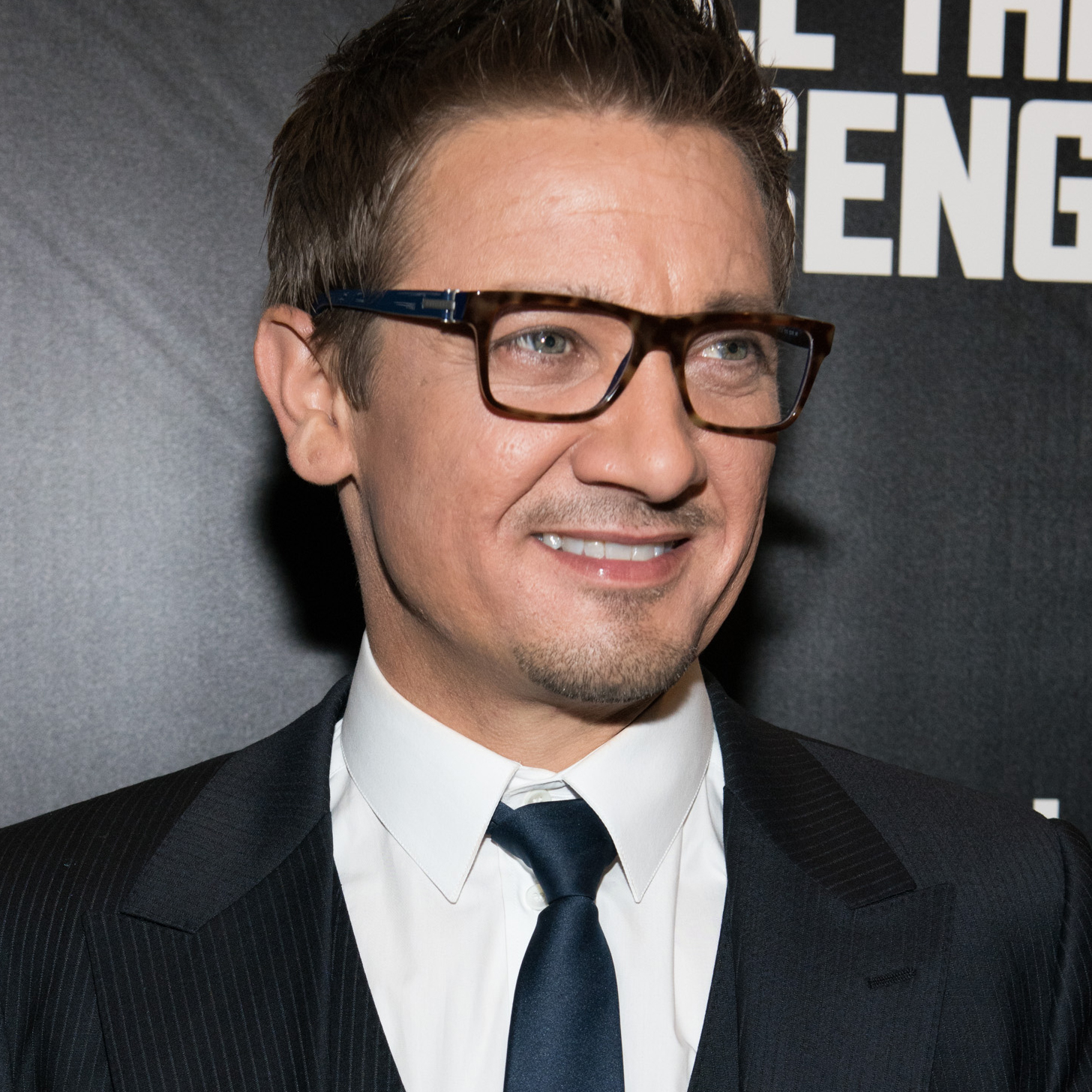 Jeremy Renner Talks Ab...