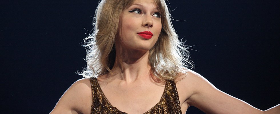 Taylor Swift, You're My Daughter's First Celeb Crush  — 10 Reasons I'm OK With That!