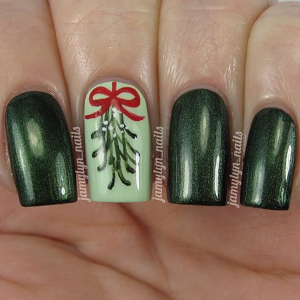 Nail design with mistletoe d nail art mistletoe christmas nail nail design with mistletoe diy nail art ideas holiday popsugar beauty prinsesfo Image collections