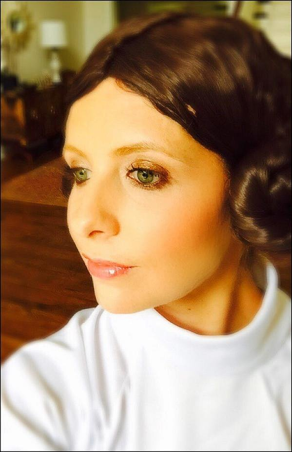 Sarah Michelle Gellar posed as Princess Leia in 2014.