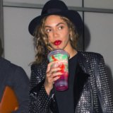 "Beyonce Buys a Slurpee to Promote ""7/11"" Song 