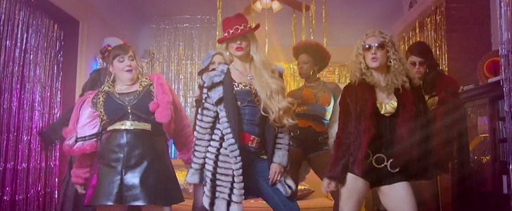 "Cameron Diaz Raps ""Back Home Ballers"" With the SNL Girls"