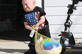 Verne Troyer Carrying A Turkey Is The True Meaning Of Thanksgiving