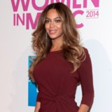 Beyoncé Shows Lots of Leg at Billboard's Women in Music Luncheon