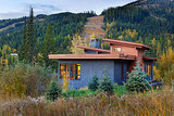How to Make Your Painted or Stained House Feel at Home in the Landscape (16 photos)