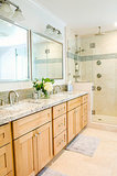 Bathroom Countertops 101: The Top Surface Materials (7 photos)