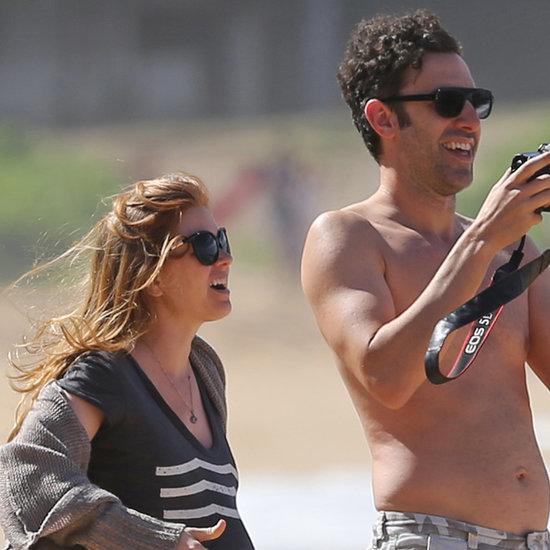 Isla Fisher Pregnant in Hawaii 2015